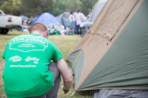 A Green Team volunteer at Victor Harbor Schoolies Accommodation.