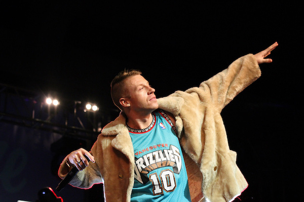 Macklemore in op shop clothes